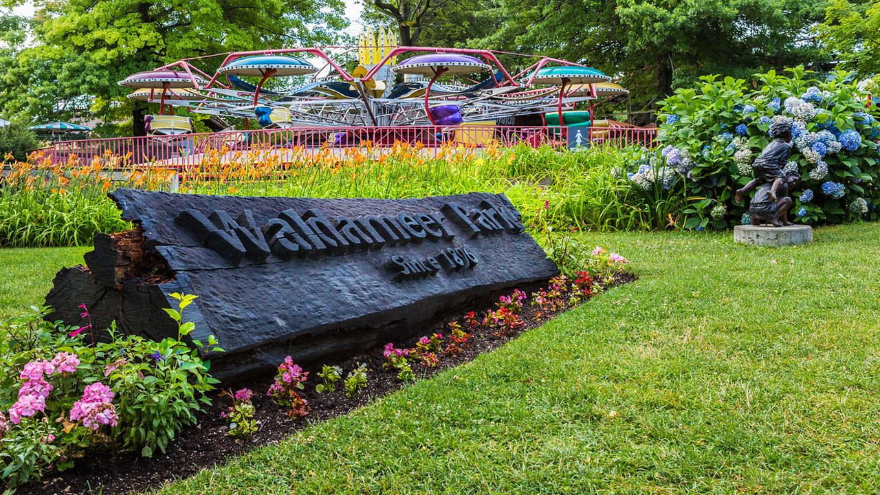 Sign at entrance to Waldameer Park