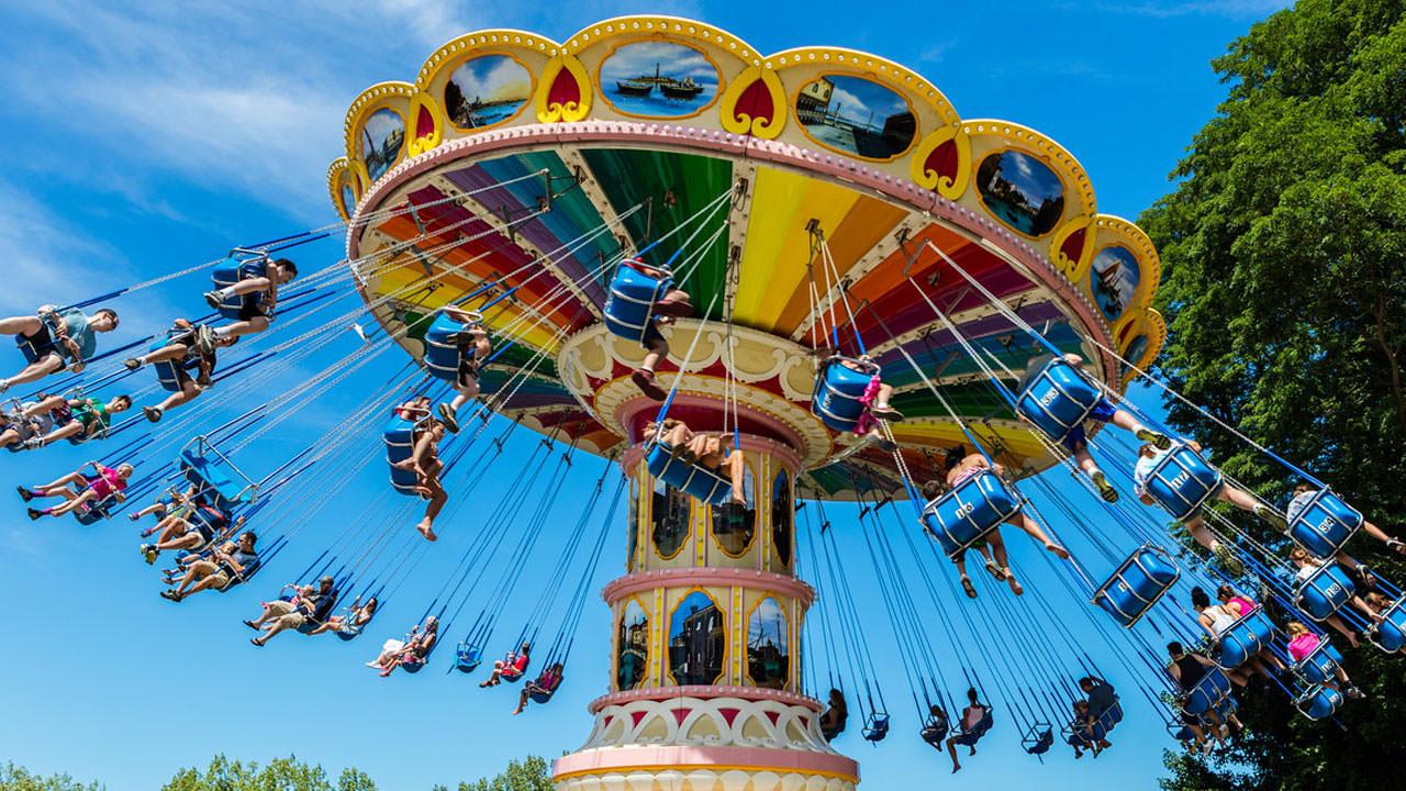 Flying swings family classic ride at Waldameer Amusement Park